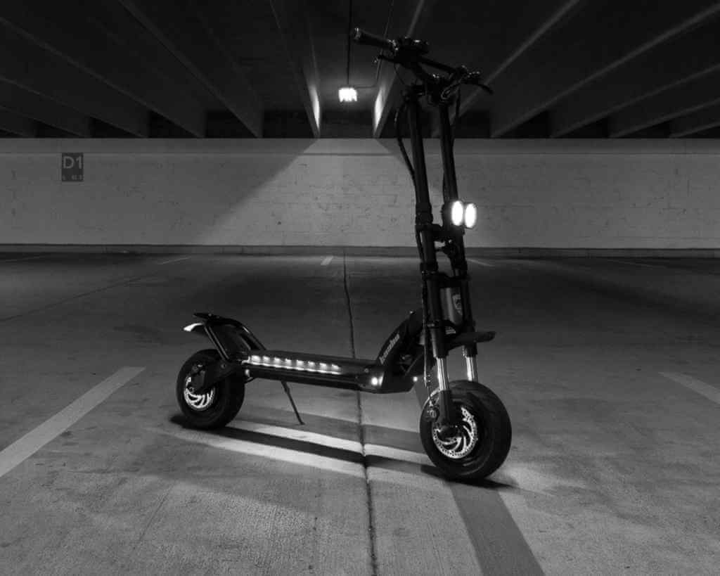 Black and white image of Kaabo Wolf Warrior 11 in parking garage