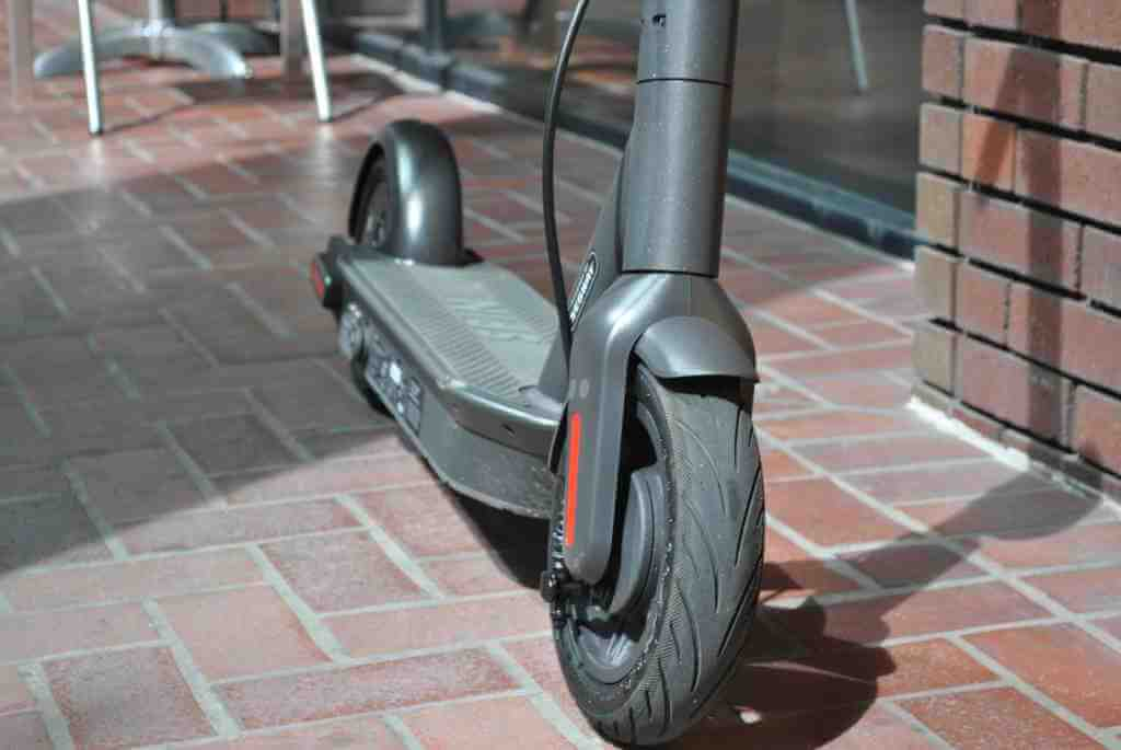 Ninebot Max electric scooter deck and wheels