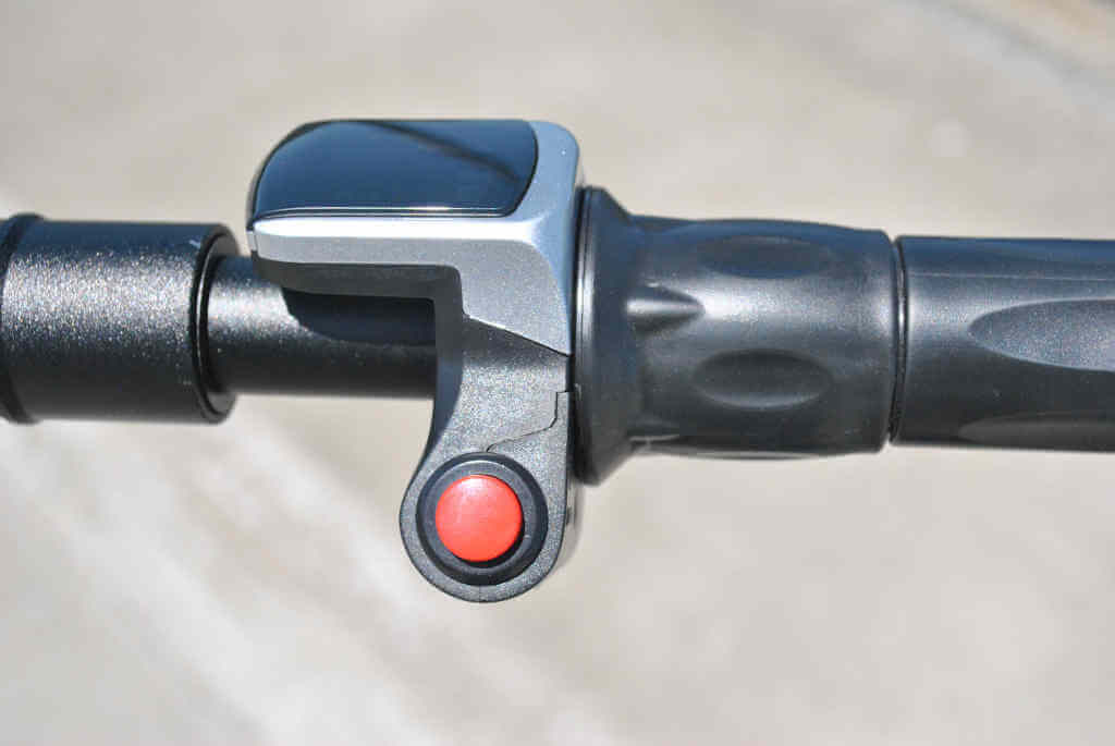 Glion Dolly twist-style throttle, handlebars and LCD display