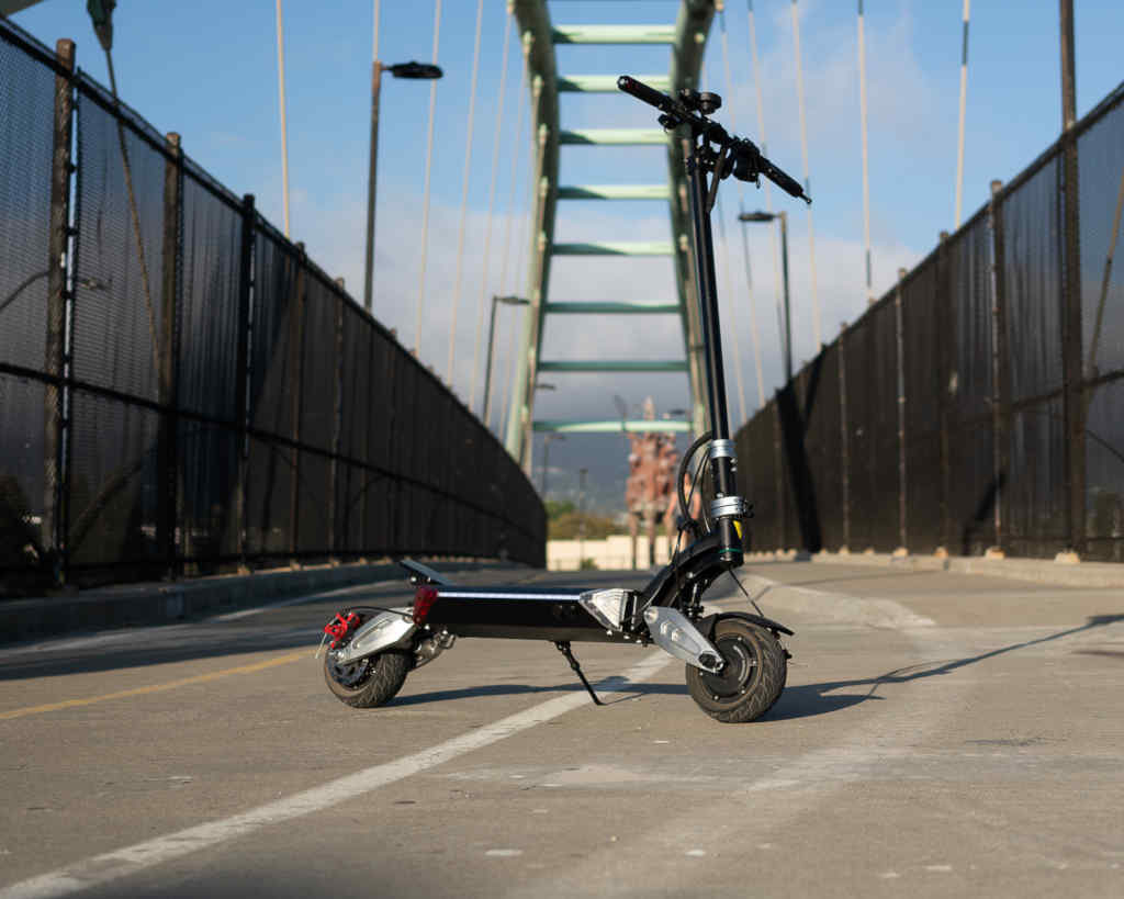 Zero 8x electric scooter on bridge