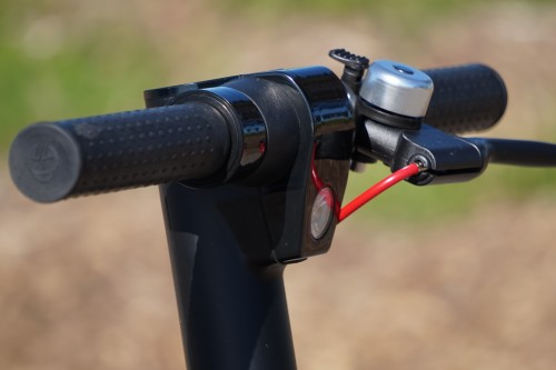 Gotrax GXL V2 handlebars with brake levers and bell