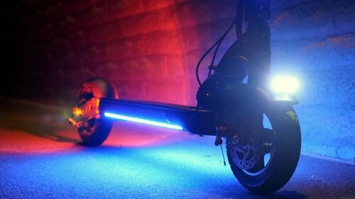 Zero 9 electric scooter at night with all light turned on