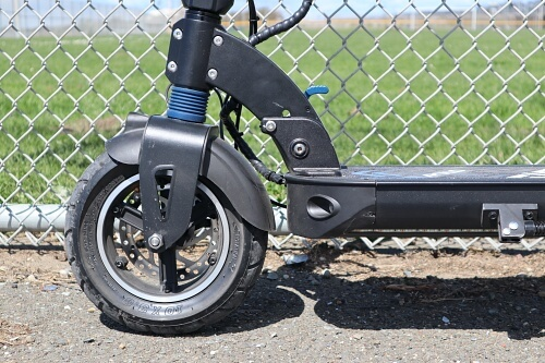 Profile of electric scooter front wheel and tire