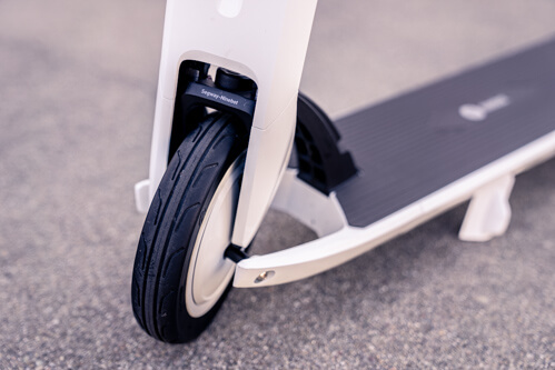 Segway Ninebot Air T15 electric scooter - front tire, branded front fender, cropped view