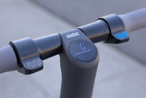 Segway Ninebot ES4 electric scooter - thumb controls and display, close-up